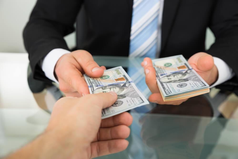 Кредитное плечо представляет собой заемные деньги